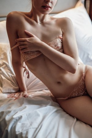 Carolane escorts services