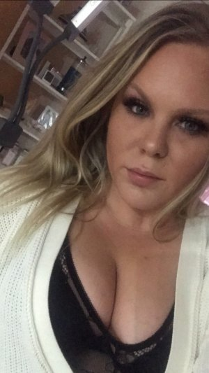 Helia incall escort in Niles