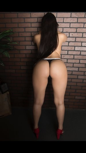 Soumina independent escorts in Newark