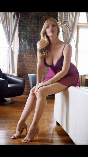 Alexandrie live escort in Detroit Michigan