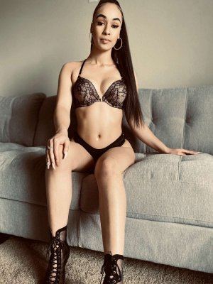 Maelyn incall escort